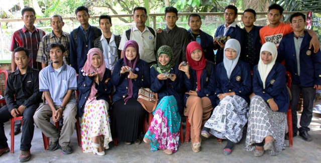 students and member of Satucita Foundation