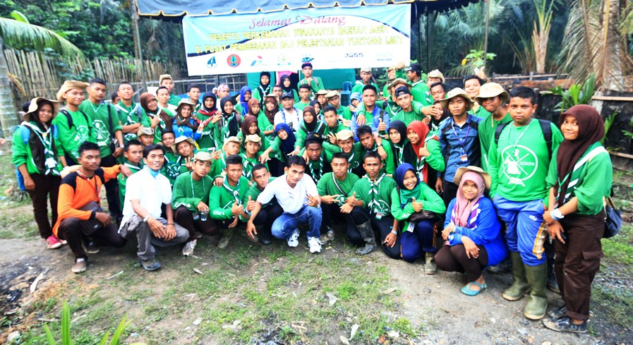Some Participants of Aceh Scout Camping Week Visited Headstarting Ponds