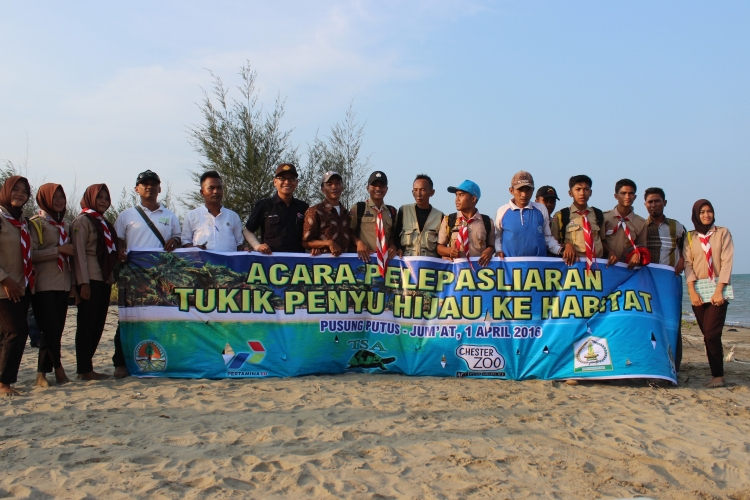 Member of Satucita Foundantion, staff of BKSDA Aceh and boy scout