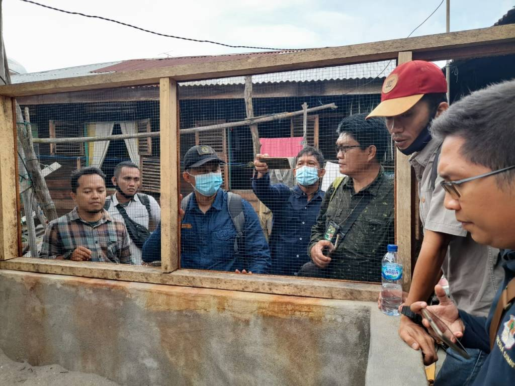 staff of BBKSDA North Sumatera visiting hatchery